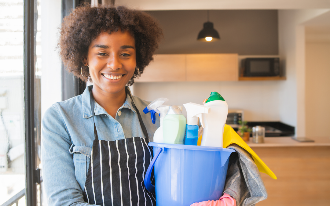 Top 5 cleaning supplies you should have in your house